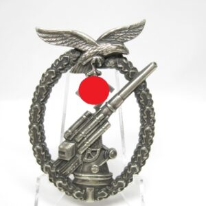 IMG 8978 300x300 - Flakkampfabzeichen der Luftwaffe