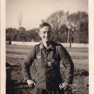 Foto Oberleutnant der Luftwaffe mit Auszeichnungen.-0