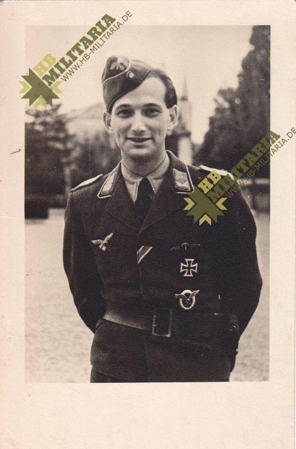 Fotopostkarte Flugzeugführer mit EK1 + Frontflugspange-0
