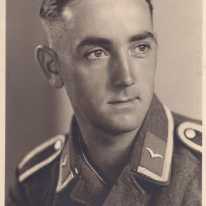 Portraitfoto Unteroffizier der Luftwaffe-0