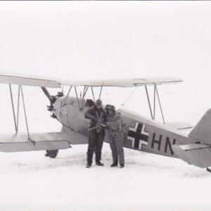 Foto Flugzeug Heinkel mit Flugzeugführer und Beobachter-0