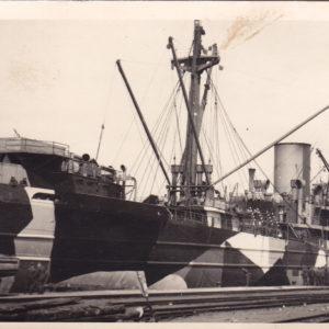 Foto Deutsches Handelsschiff mit Segmenttarnung- Beuteschiff-0