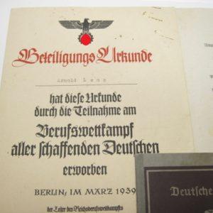 Arbeitsbuch Kriegsmarinewerft Wilhelmshaven + Urkunde + Zeugnis-4637