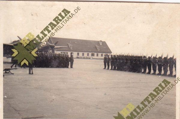 3x Fotos Vereidigung Luftwaffe auf Flugplatz vor HE111-6243