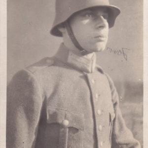 Angehöriger der Reichswehr mit Hörnerlm-0