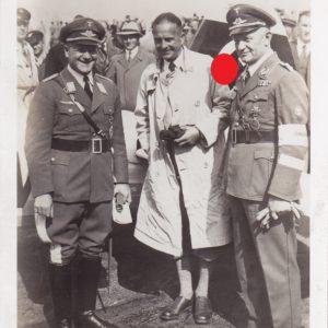 Foto Fliegerkommodore des DLV mit Pour le Merite und Flugzeugführerabzeichen-0