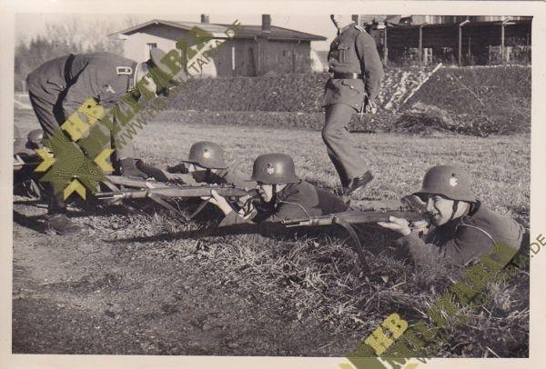Foto Wehrmacht Schiessausbildung in der Rekrutenzeit-0