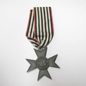 Kriegshilfe Verdienstkreuz am originalen Band-0