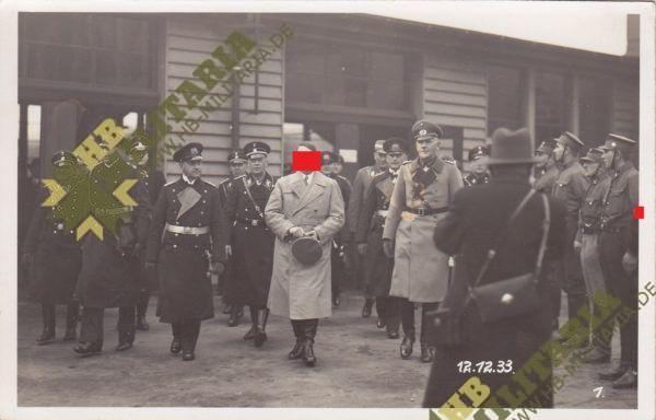 4x Fotos vom 12.12.1933 Empfang des leichten Kreuzers Köln in Wilhelmshaven durch den Führer.-8288