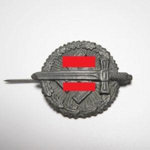 WHW Abzeichen HK mit Schwert-0