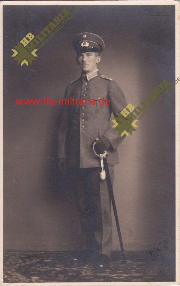 Deutsches Kreuz in Gold Nachlass eines Hauptmann`s im Grenadier Rgt. 689.-11736