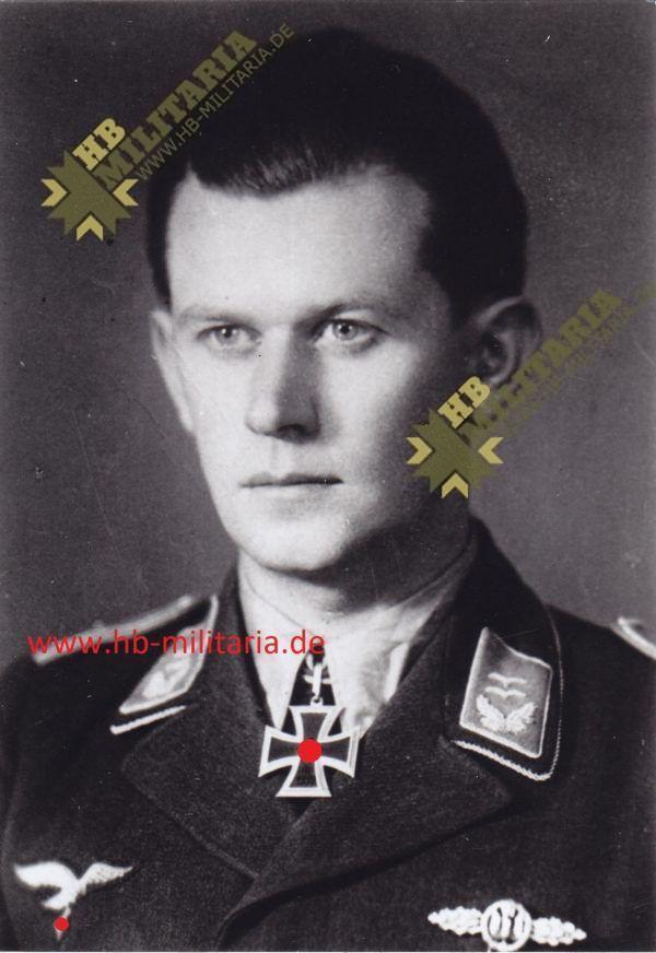 Foto Ritterkreuzträger Oberleutnant Gerhard Stüdemann.-0