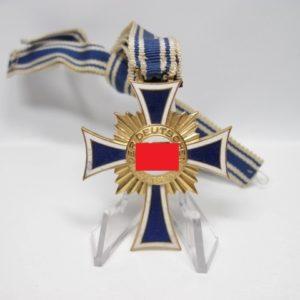Ehrenkreuz der deutschen Mutter in Gold.-0
