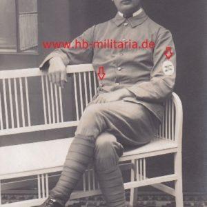 Foto unbekannte Uniform, evtl. Freikorps, Kriegerverein Galipoli Stern. Ärmelabzeichen.-0