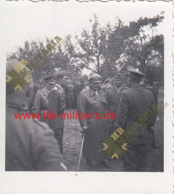 IMG 0003 600x671 - Foto Hermann Göring, Werner Mölders und Bruno Loerzer beim JG51.