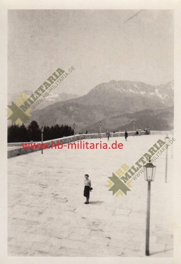 IMG 0005 600x873 - 2x Privatfotos Obersalzberg. Platterhof 1942.