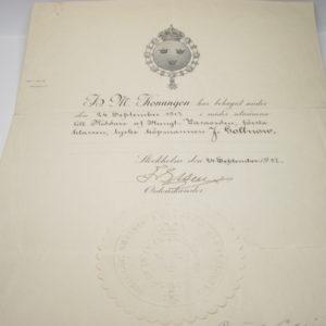 IMG 5426 300x300 - Urkunde Schweden: Königlicher Wasa Orden. Ritterkreuz.