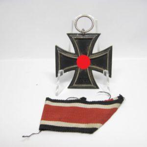 IMG 7840 300x300 - Eisernes Kreuz 1939 zweite Klasse am Bandabschnitt