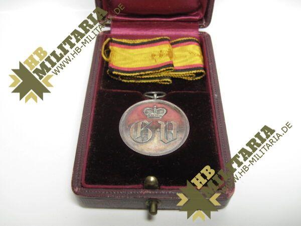 IMG 8205 600x450 - Waldeck: Silberne Verdienstmedaille 1. Typ im Etui