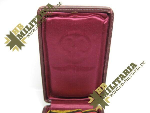 IMG 8206 600x450 - Waldeck: Silberne Verdienstmedaille 1. Typ im Etui