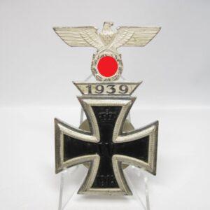 IMG 2477 300x300 - Eisernes Kreuz 1. Klasse 1914 mit aufgesetzter Spange 1939 inkl. Niemann Fotoexpertise. EK1 Wiederholer